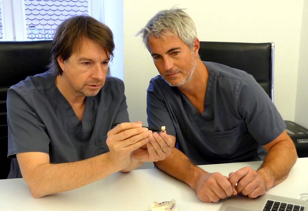 Dr. Cacaci (left) is a specialist in periodontal disease, implants and gingivitis healthandthecity.de